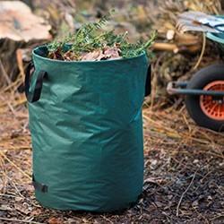Très pratique pour nettoyer efficacement au jardin. Vous installez votre poubelle de jardin juste à côté de vous. Fini les allers-retours jusqu'au composteur. Pratique aussi pour emmener vos déchets verts jusqu'à la décheterrie, votre voiture restera propre.