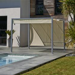 Apportez un coin d'ombre sur votre terrasse avec nos pergolas et vérandas. Élégantes,elles sont disponibles dans plusieurs matériaux pour apporterducachet à votre jardin, tout en sublimant l'extérieur de votre maison. Profitez d'un agréablement moment en famille ou avec des amis à l'ombre du soleil, confortablement installé dans votresalon de jardin. Si vous avez des projets d'agrandissements, nous vous conseillons une véranda, la solution et à moindre coût. Toutes nos gamme de vérandas San Rémo possède des parois transparentes pour profiter des rayons du soleil.