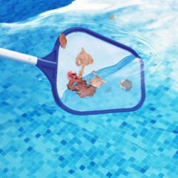 Au cœur de votre piscine, la filtration est l'élément primordial pour maintenir une eaunettoyéeet saine. Gardez votre piscine tubulaire ou acier propre grâce à notre gamme de filtration et nettoyage piscines. Quel que soit votre besoin, découvrez tous l'équipement pour nettoyer votre piscine hors-sol et les accessoires pour filtrer l'eau.